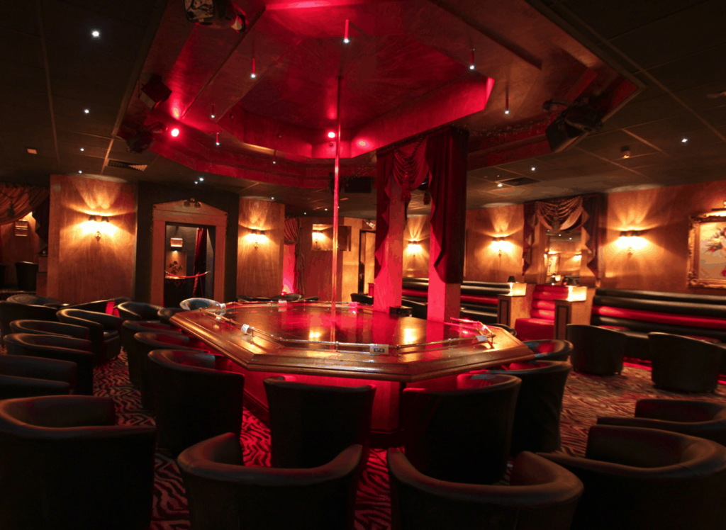 Get excited up at a Manchester strip club and then search for horny singles on Shagbook.com after visiting Silks, Obsession, Victoria's, Baby Platinum or Long Legs. Sexy singles are looking for a no strings attached relationship at Shagbook. Search now for free and hookup with a local single tonight.